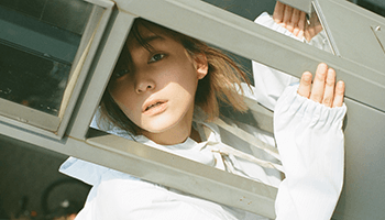 ナナヲアカリ『ハッピーシュガーライフ』主題歌含むメジャー第1弾シングル